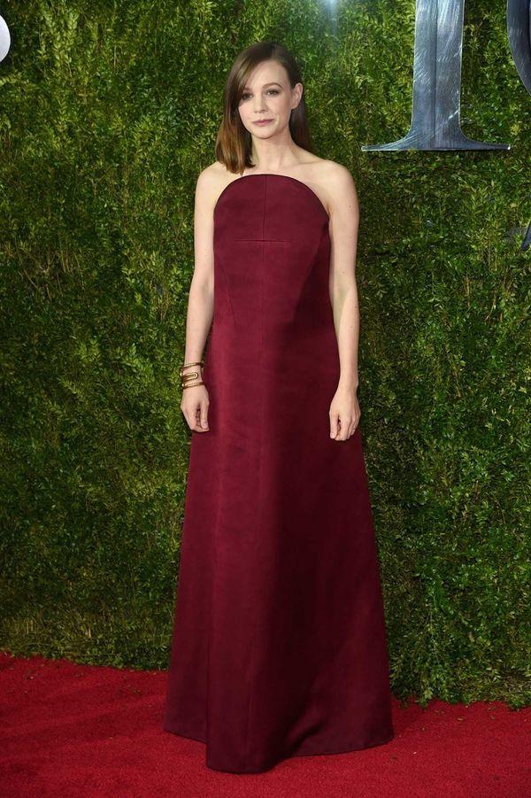 Carey Mulligan attends the 2015 Tony Awards at