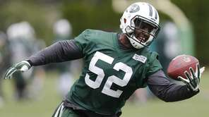New York Jets inside linebacker David Harris makes