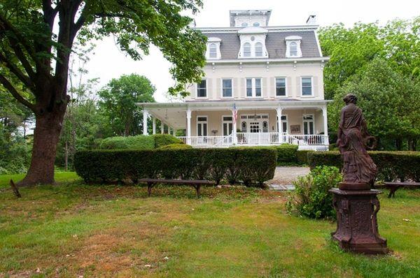 Designer Karen Rosen's home in Centre Island, which