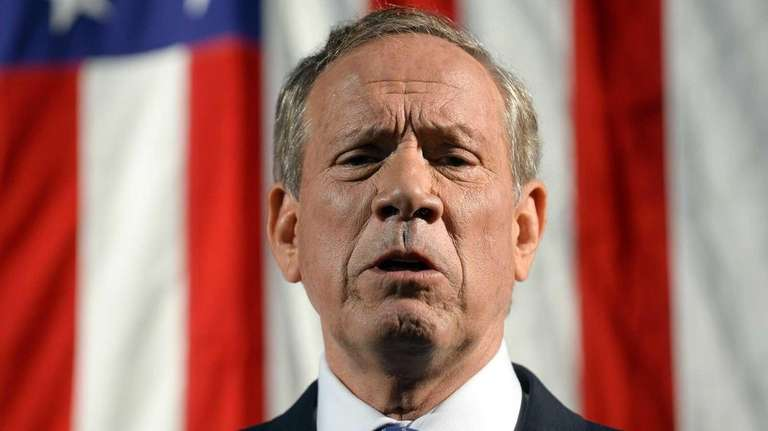 Former New York Gov. George Pataki announces his