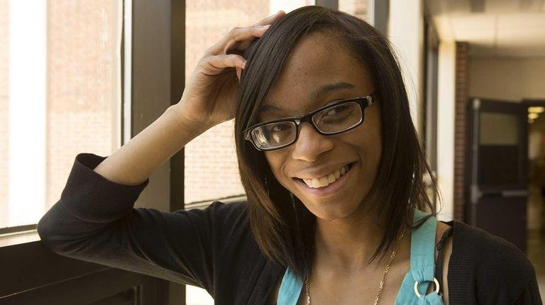 La-Niyah Ortiz, Bay Shore High School senior year,