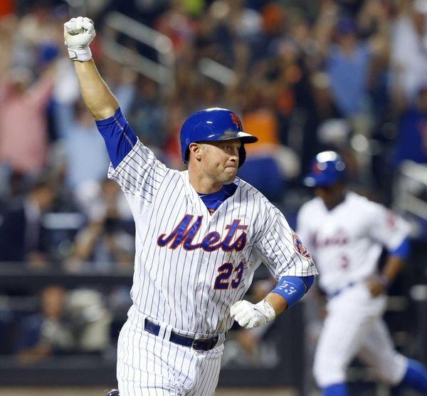 Michael Cuddyer of the New York Mets celebrates
