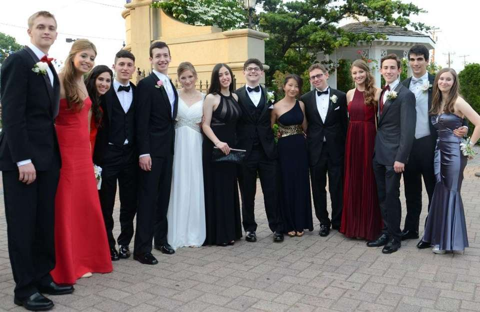 Roslyn High School seniors and their dates celebrate