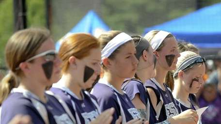 Eastport-South Manor players react to their 6-4 loss