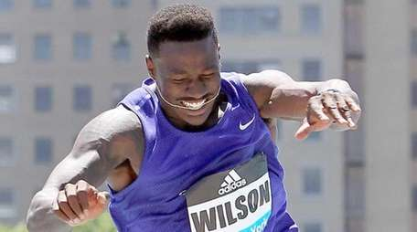 Former Giant David Wilson competes in the men's