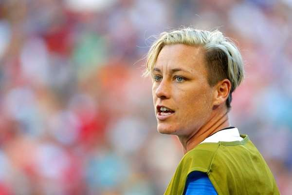 Abby Wambach #20 of the United States warms