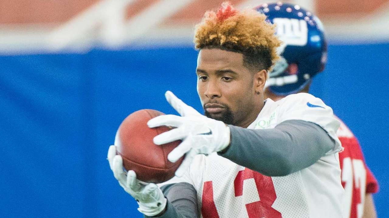 New York Giants wide receiver Odell Beckham catches