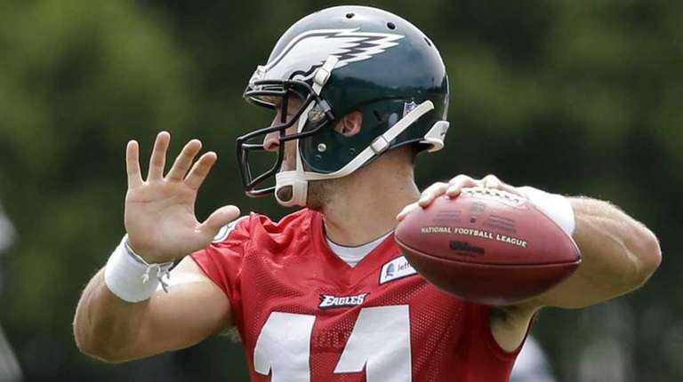 Philadelphia Eagles quarterback Tim Tebow (11) throws a