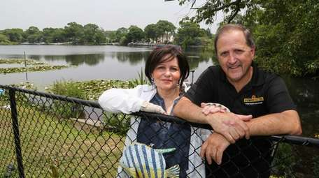 Marla Kaplan and Tony Pelle, who live by