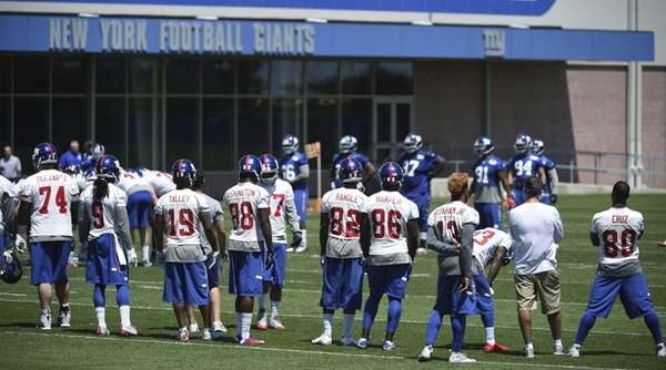 The New York Giants take part in drills