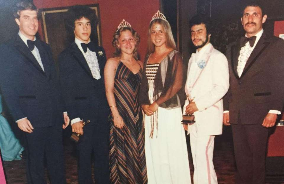 The royal court is crowned at the 1978