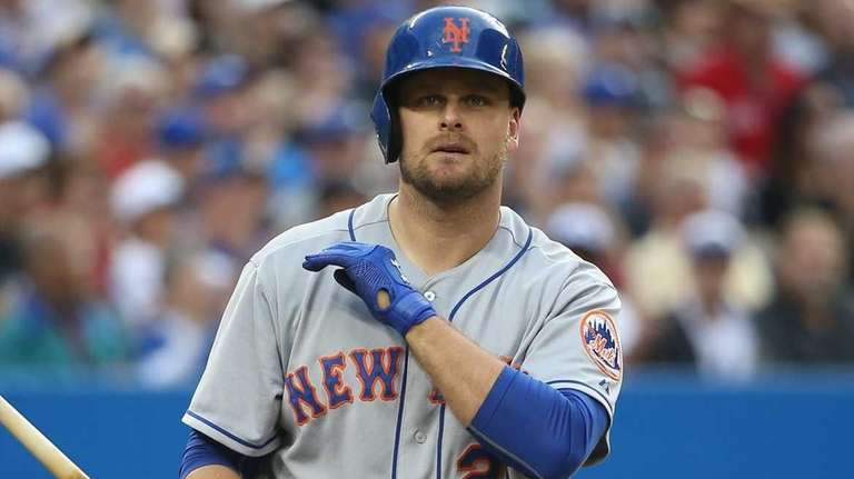 Lucas Duda of the New York Mets reacts