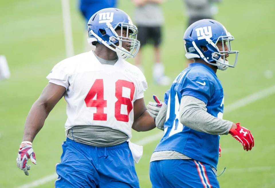 The New York Giants' Will Tye runs a