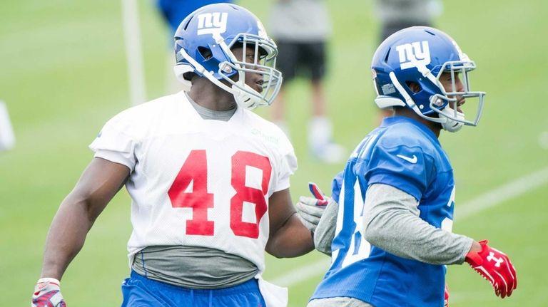 The New York Giants' Will Tye runs a