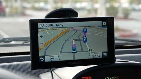 Cnet has picked Garmin Nuvi 2689 LMT GPS