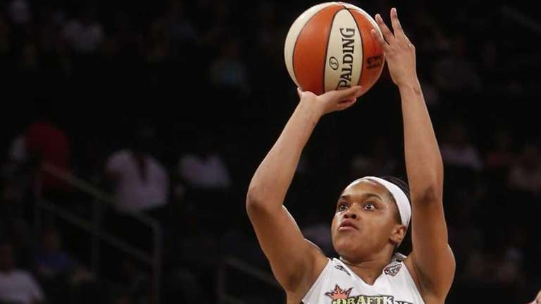 The Liberty's Brittany Boyd (15) shoots against the