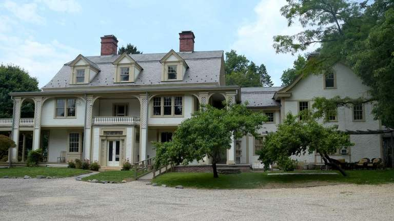 An exterior of Cedarmere, William Cullen Bryant's historic
