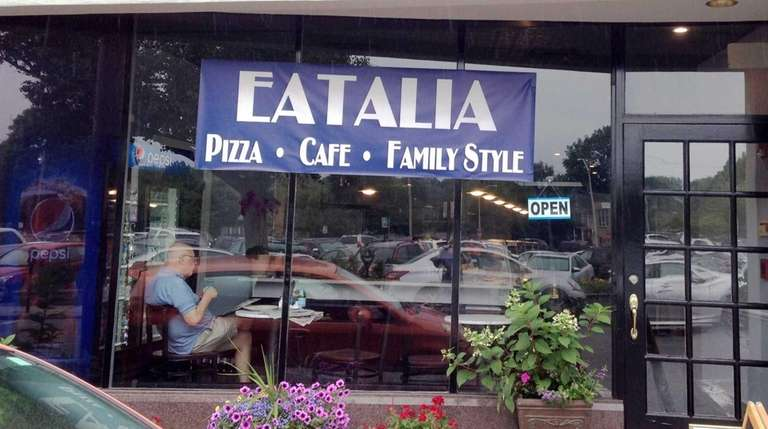 Eatalia is a new pizzeria-restaurant in Huntington.