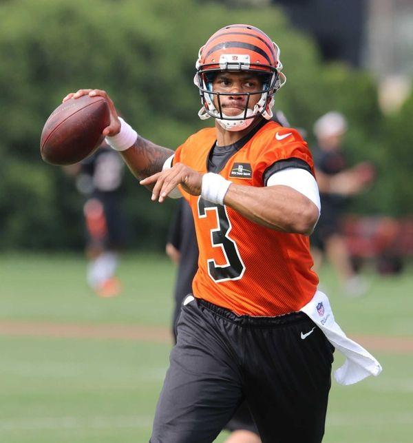 Then-Cincinnati Bengals quarterback Terrelle Pryor throws during rookie