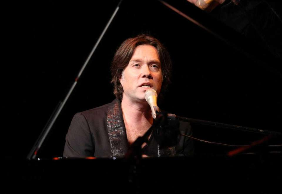 Rufus Wainwright performs at Atlanta Symphony Hall on