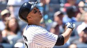 New York Yankees rightfielder Carlos Beltran pops out
