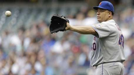 Bartolo Colon of the New York Mets pitches