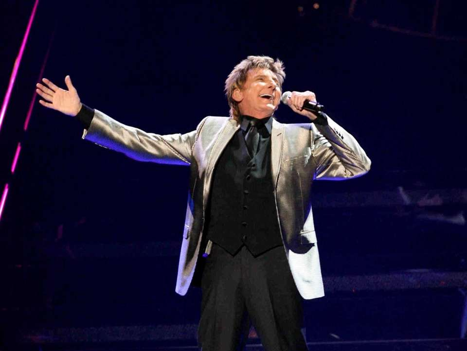 Barry Manilow performs during his Ultimate Manilow: The