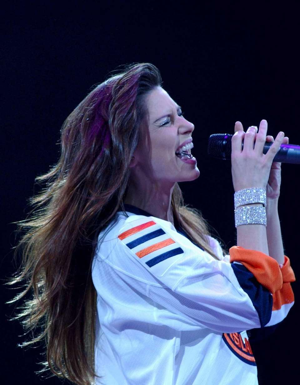 Shania Twain in concert at Nassau Coliseum on