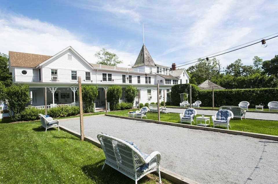 Shelter Island House (11 Stearns Point Rd.; 631-749-1633,