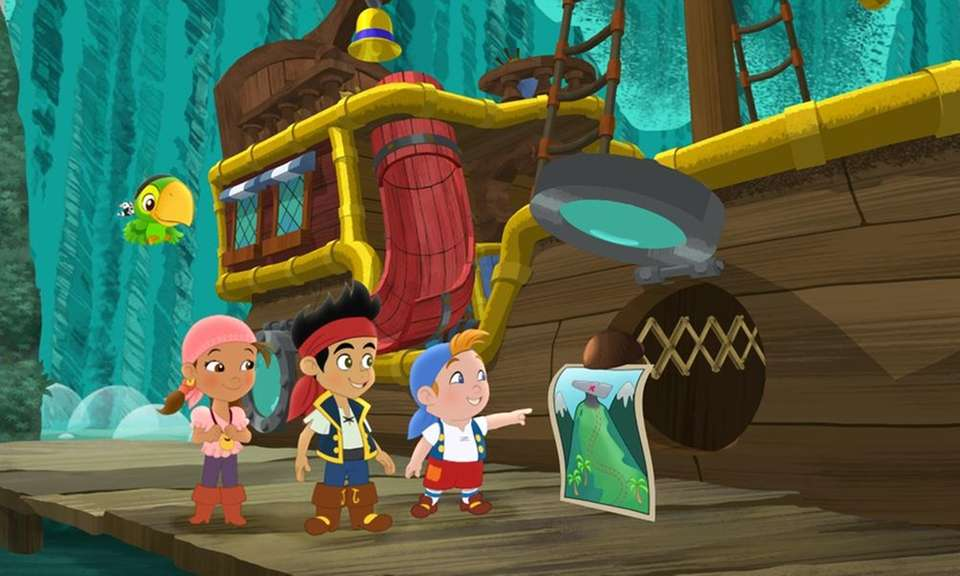 David Arquette voices Skully on Disney Jr.'s