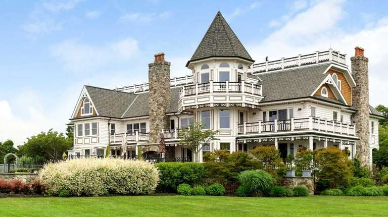 A 10,000-square-foot East Islip house with about 360