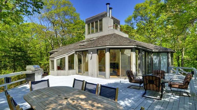 Paul McCartney Is A Neighbor To This Amagansett House