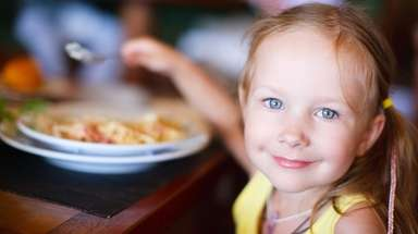 Children can eat free at Applebee's on Monday,