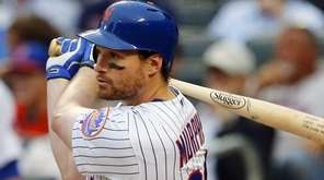 Daniel Murphy of the New York Mets lines