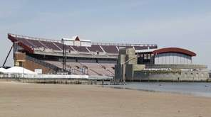 The Nikon-Jones Beach Theater on Thursday, June 25,