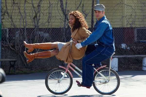 Zoe Saldana, left, and Mark Ruffalo star in