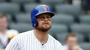 Lucas Duda #21 of the Mets strikes out