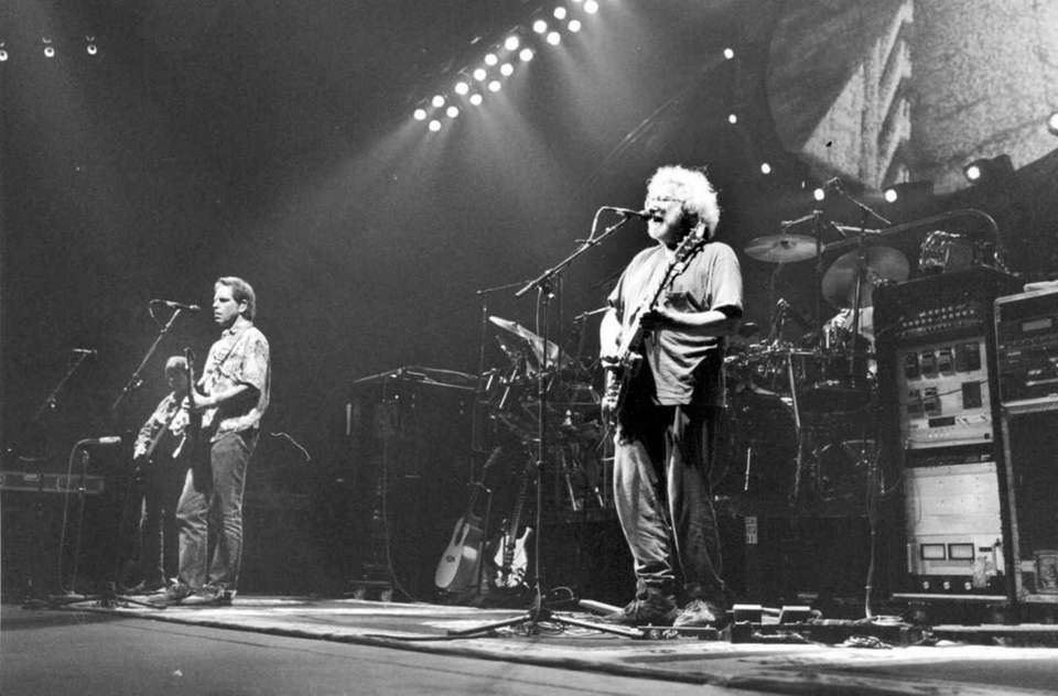 Bob Weir, left, and Jerry Garcia of the