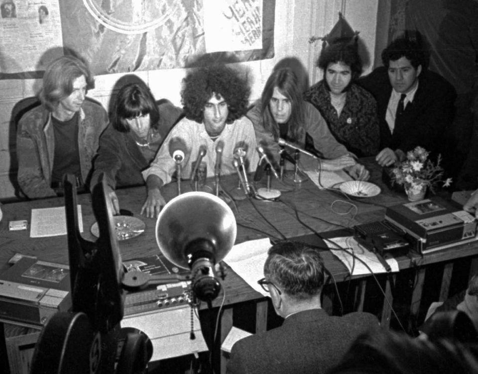 From left, clockwise, Bill Kreutzmann, Phil Lesh, managers