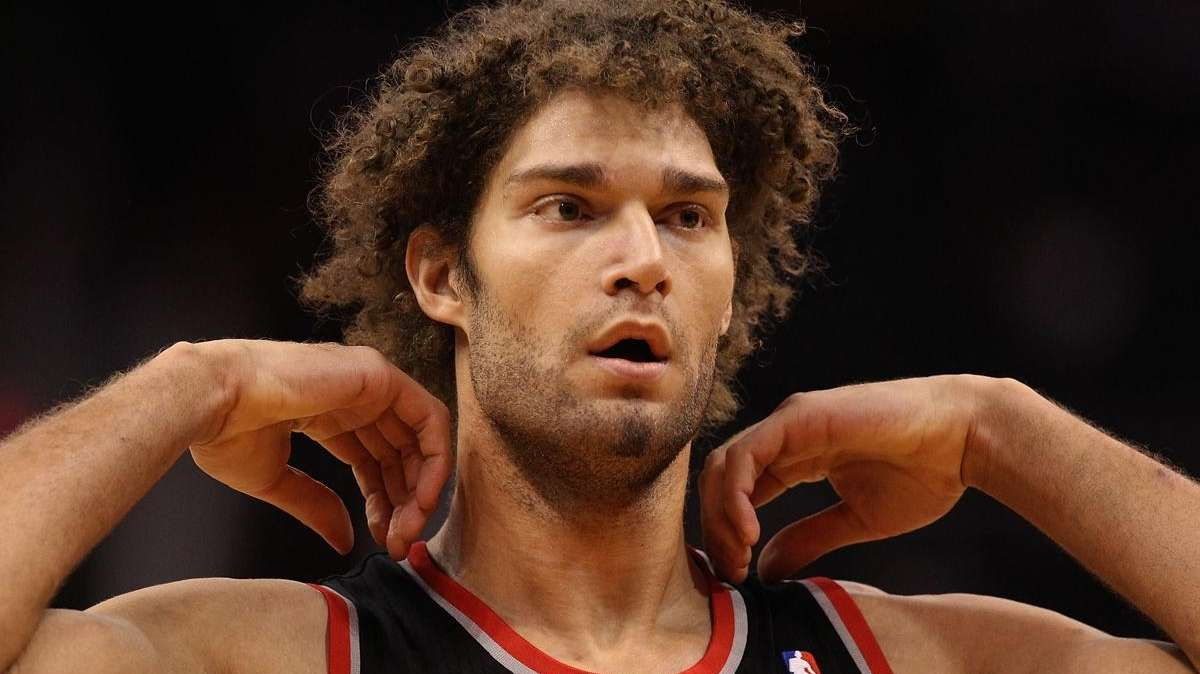 Robin Lopez of the Portland Trail Blazers during
