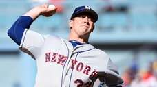 New York Met Matt Harvey pitches during the