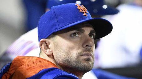 New York Mets third baseman David Wright looks