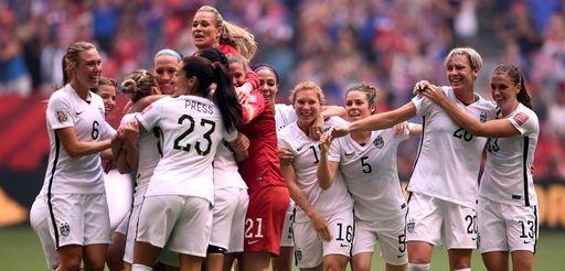 Abby Wambach #20 of the United States celebrates