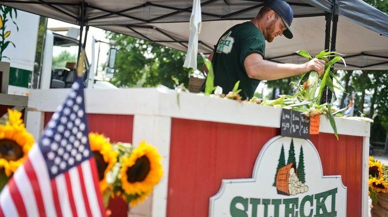 Jon Sujecki, from Sujecki Farms in Calverton, organizes