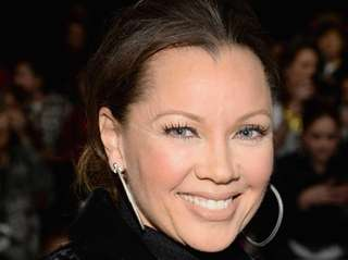 Vanessa Williams married Jim Skrip on July 4,