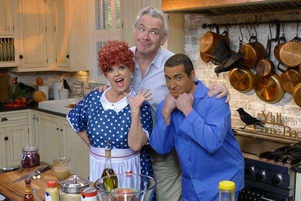 Paula Deen under fire over photo: Paula Deen