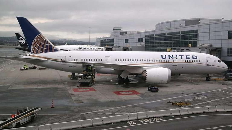 United Airlines grounded plans nationwide for a short