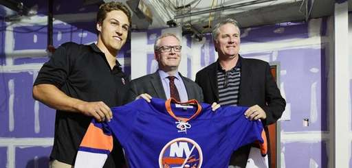 From left, New York Islanders' Anders Lee, Barclays