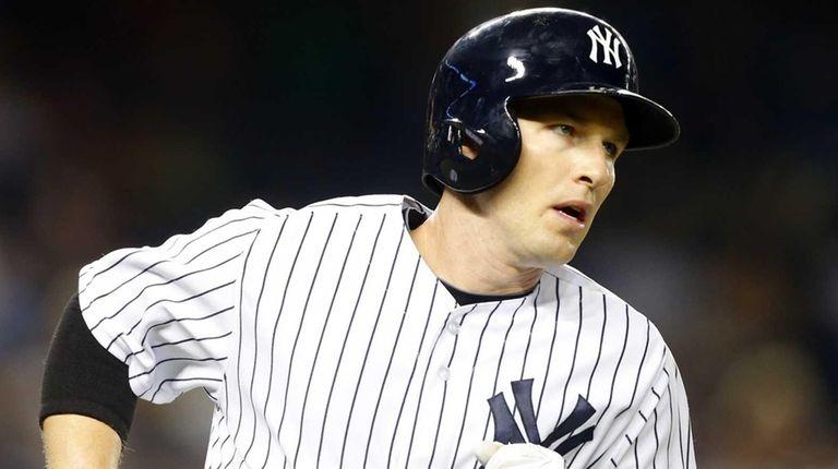 Stephen Drew of the New York Yankees runs