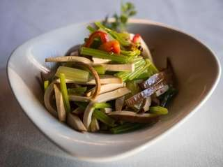 Smoked tofu with Chinese celery is a vibrant